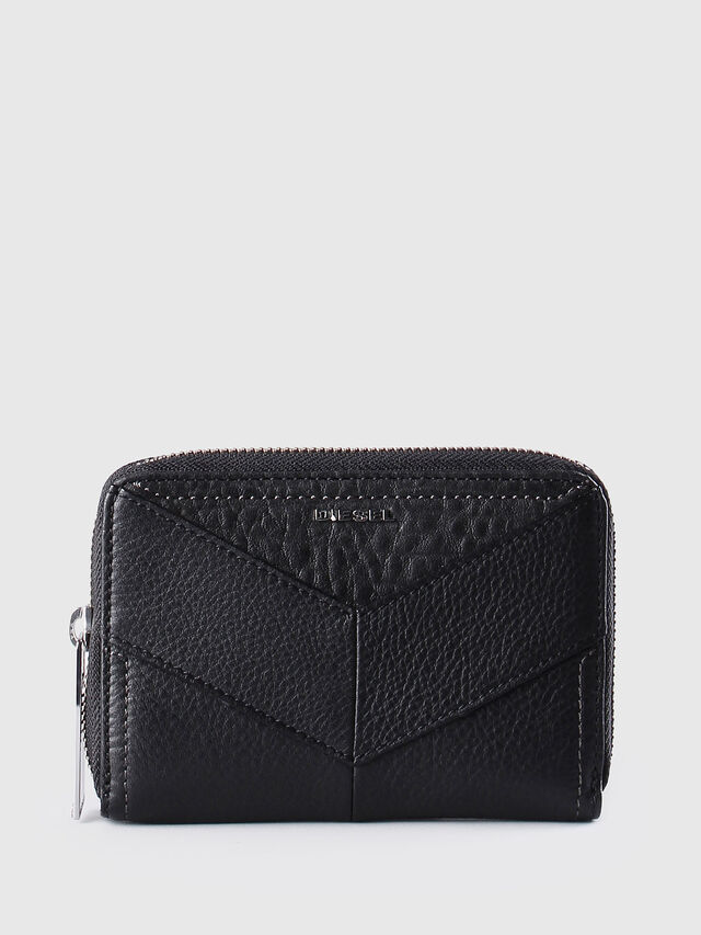 JADDAA, Black Leather