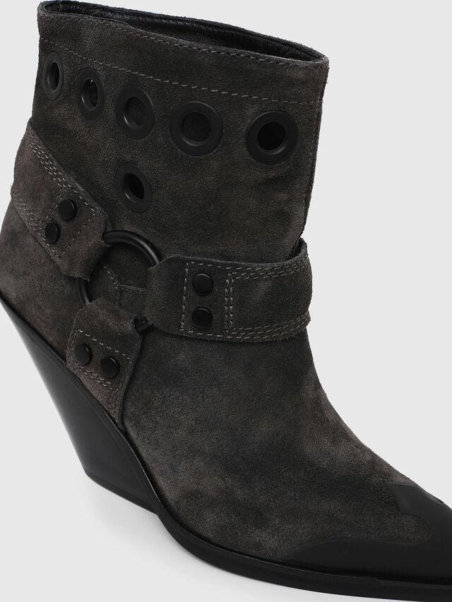 Diesel - D-WEST MBE, Black - Ankle Boots - Image 4